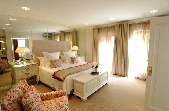 Cellars Hohenort Hotel offer comfortable accommodation.