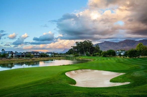 Play golf at Pearl Valley.